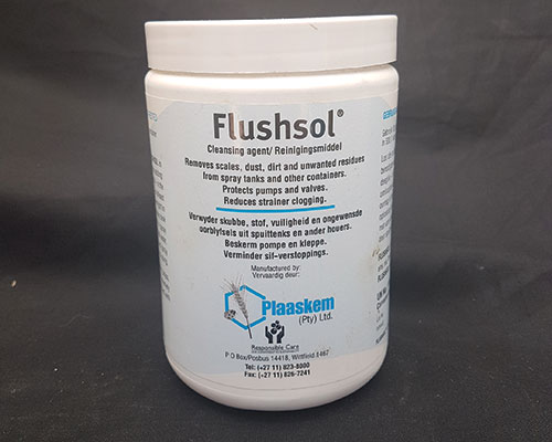 Equipment-and-cleaning-agent-Flushol